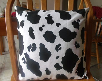 MOO pillow cover 16x16