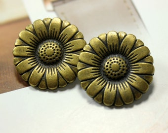 Metal Buttons - Daisy Metal Buttons , Antique Brass Color , Shank , 0.91 inch , 10 pcs