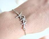Dainty starfish bracelet - petite starfish chain bracelet - silver sea star bracelet