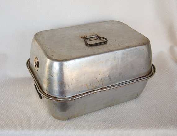 Funky Old Wear Ever Turkey Roaster Model Number 2625 With