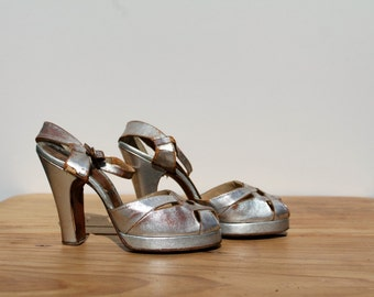 1940s Platform High Heels /  Silver Leather / Qualicraft / Pin Up Dancing / Decorative