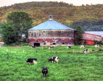 Classic Vermont Roundbarn Print