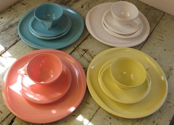 boontonware belle melamine dinnerware boontonware set lovely pastels 15 pieces