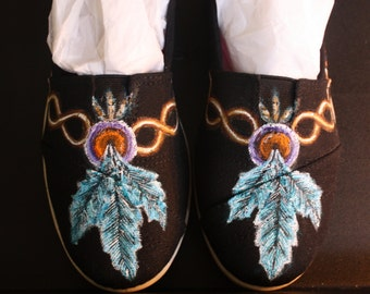 TOMS Hand Painted Native American design  feather luck medicine charm