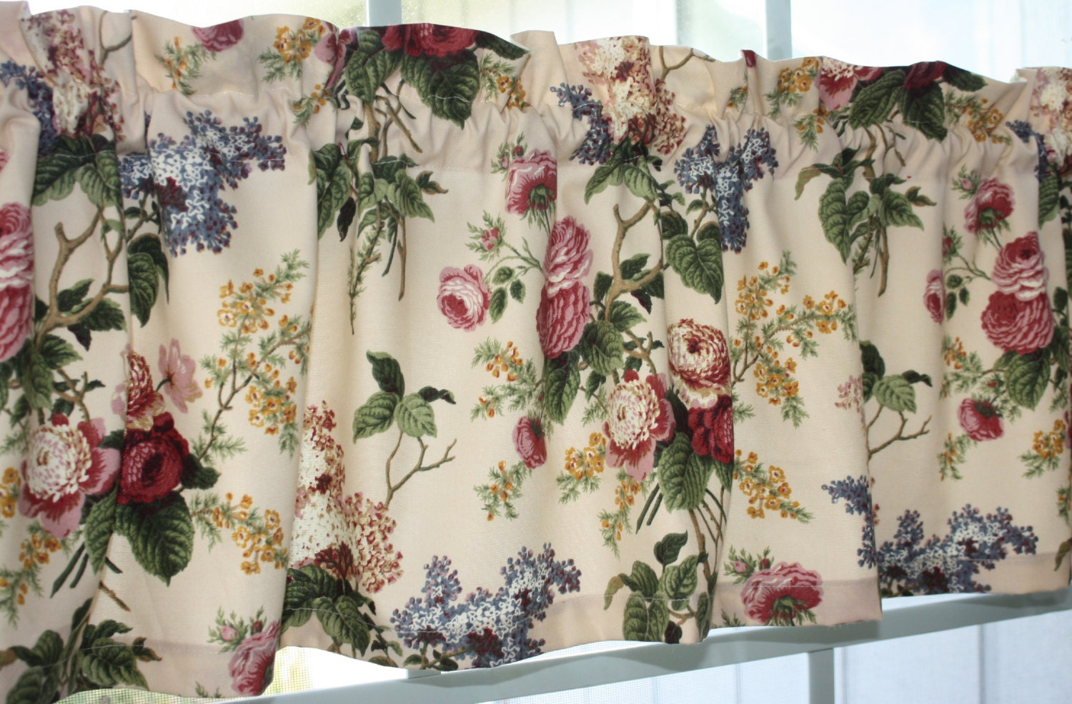 Valance Waverly Floral Emma's Garden Jewel In Pink Red