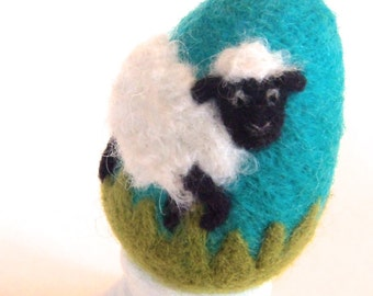 Needle Felted Egg - Spring Sheep - Easter Egg