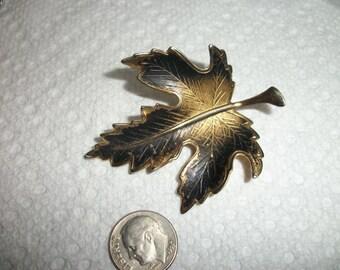 antique Leaf brooch
