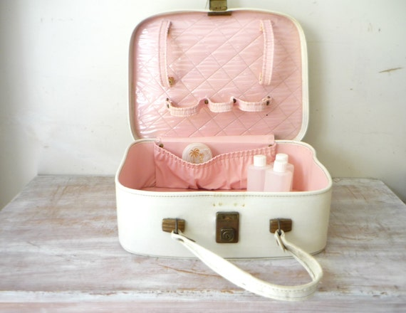 VIntage 1960s Beauty Case in Pearl White and Musk Pink