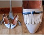 vintage 1980s white PAN AM hostess shoes / 80s knot pumps