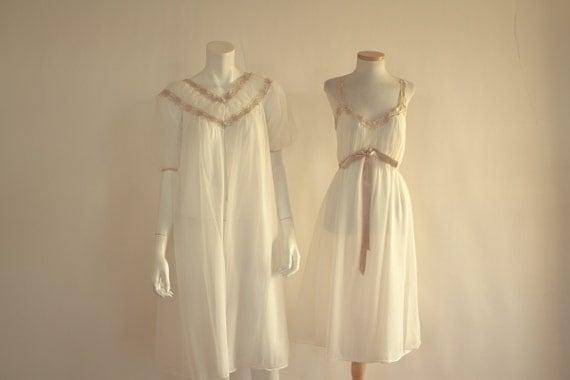 1950s White & Taupe Peignoir Set // Miss Siren Chiffon// Mad Men// M