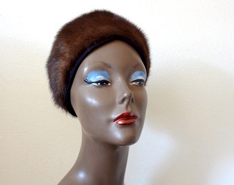 1950s Fur Hat / vintage mink turban style cap / madame mink