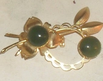 Sweet Soft Gold Toned--DELICATE  VINTAGE BROOCH--- Perfect Little Brooch
