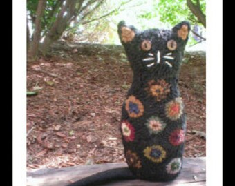 PrimiTive Folkart Tall Penny Cat Hooked Rug  PATTERN ONLY