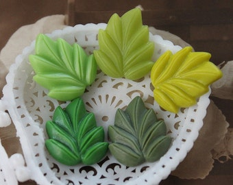 20pcs New   Beautiful Mix Colorful   Leaf Resin Cabochon  5colors - 18x21mm -(CAB-DM-MIXSS)