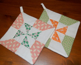 Set of 2 Spring Pinwheel Pot Holder