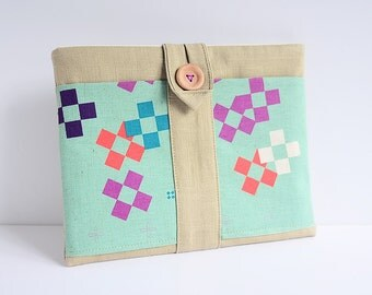 Sample Sale - iPad horizontal case - with two extra front pockets - olive squares