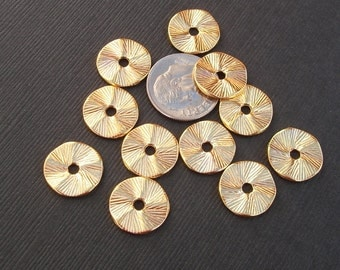 10pcs-Pendant, Charm Connector Wavy Round  Bright Gold 13mm.