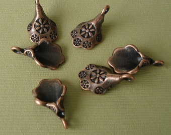 10pcs- Antique Copper Flower Pendant 19x12mm.   .