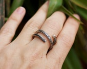 Hammered Silver Ring, Oxidized Wire Ring, Snake Ring, Hellenistic Ring, Ancient Roman Style Ring