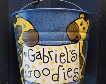 Giraffe Big Bucket Special order this one has a Giraffe for Gabriel's Goodies What would your bucket say