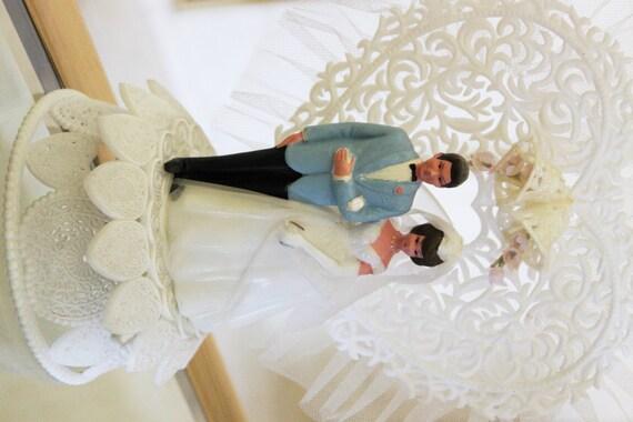 vintage cake topper cake decoration bride and groom wilton. Black Bedroom Furniture Sets. Home Design Ideas