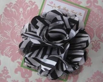Girl hair clips - zebra print flowers - girl barrettes- girl hair clippies