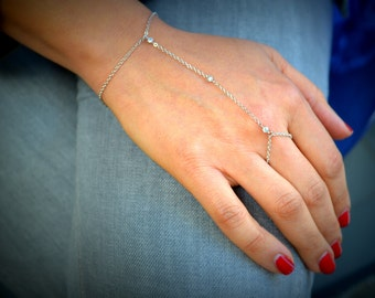 Silver chain slave bracelet with 3 tiny cubic zirconias with chain ring finger Kardashian inspired. S2128