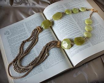 OLIVIA Vintage Gold Chain Olive Jade Statement Necklace