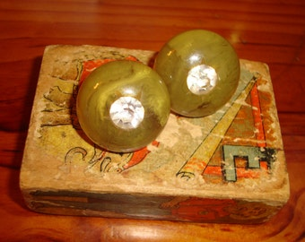 Exceptional Olive GREEN Marbled & CARVED BAKELITE (Verified) Screw-On Vintage Earrings W/Large Faceted Headlight Rhinestone