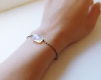 Dreamy sky (bracelet) - Opalite on antiqued sterling silver chain
