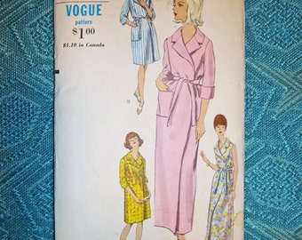 1960's UNCUT Vogue Dress-Robe-Coat Pattern