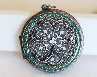 Irish Shamrock Green Resin Silver Locket,Locket,Four Leaf Clover Locket,Antique Locket,Luck,Irish,Wedding Necklace,bridesmaid necklace