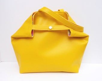 Oh So Vogue Large Tote or Purse in FREESIA Yellow