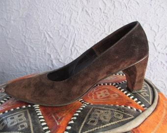 Vintage Herbert Levine Brown Suede Pumps Shoes 8.5 39