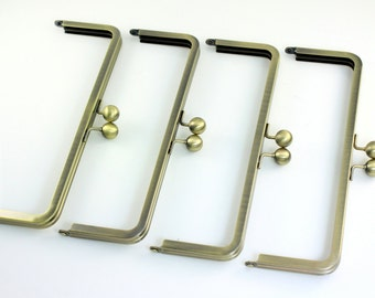9 x 3 inches (23 x 7.5cm) - Large Antique Brass Clutch Frame - 10 pieces