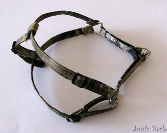 Camo Dog Harness, Realtree AP Step-In Dog Harness,  Camouflage Harness-SMALL PETS