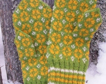 Finely Hand Knitted Estonian Mittens in Green Yellow White FREE SHIPPING
