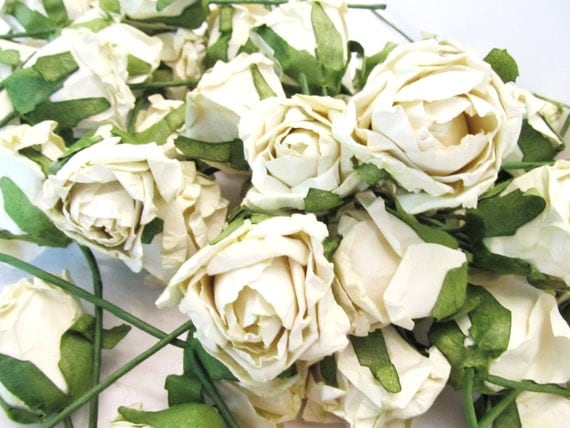 Set of 50 Creamy White Paper Flowers on Green Stems