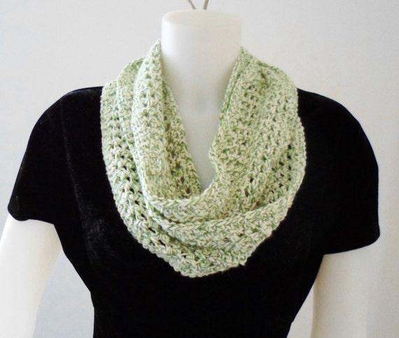 Crochet Pattern Cotton Yarn : Summer Size Crochet Infinity or Mobius Loop Scarf Pattern in