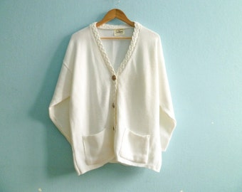Vintage white cardigan sweater / granny sweter / hipster preppy / slouchy loose over sized / medium large