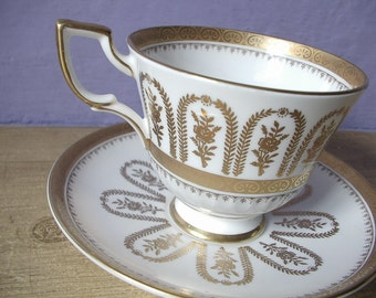 Antique Tuscan gold roses tea cup set, gold and white bone china tea cup, English tea cup and saucer set, antique tea cup,