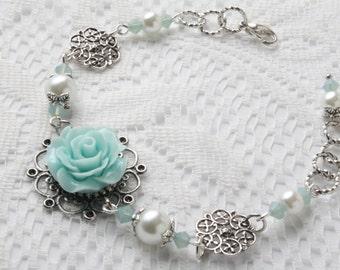 vintage style flower bracelet - Shabby chic bracelet - Mint flower bracelet - vintage bracelet - pearl bracelet - cabochon jewelry