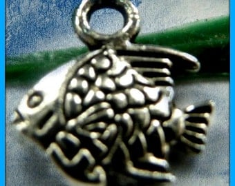 Fish Charms  LOW SHIPPING (10 pack)