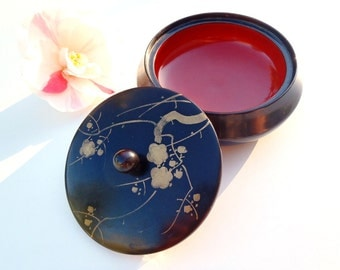 Antique Black Japanese Lacquerware Trinket Box Round Dish Cinnabar Red Inside with Knob Handled Lid Hand Painted Gold Floral Motif Japan