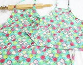 Apples on Turquoise Mother Daughter Aprons