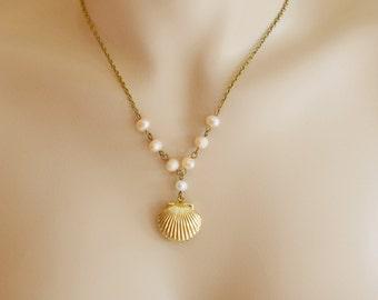 Sea Shell Locket Necklace, Scallop Shell Locket Pendant, Locket Jewelry, Nautical Charm, Ocean Shell Locket Necklace, Keepsake, Best Friend