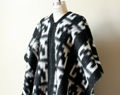 HIppie Wool Blanket Poncho, 60s 70s boho black & white Southwestern one size unisex fringed pullover Mexico reversible coat