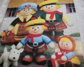 Knitted MacScarecrow Clan The Scottish Scarecrow Family Book