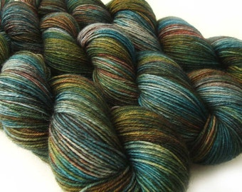 wool nylon sock yarn HYPOCRITE fingering weight 3.5oz / 460 yards