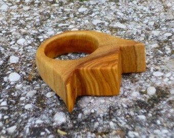 Wood Ring any size - Olive Wood Ring, shape of a crown